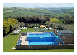 Hotel with indoor and outdoor pool in Cornwall